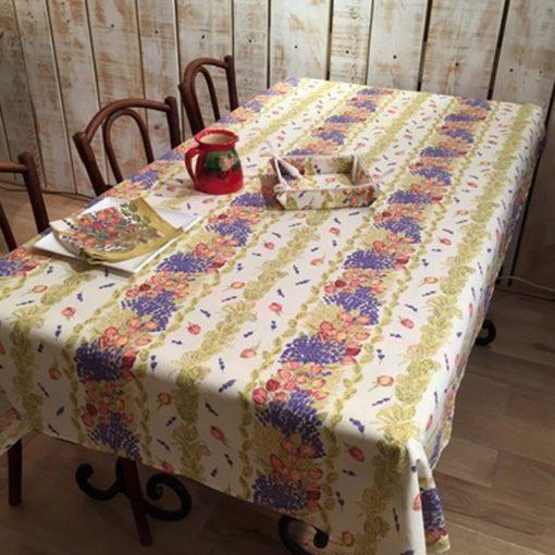 Rose et Lavande Tablecloth